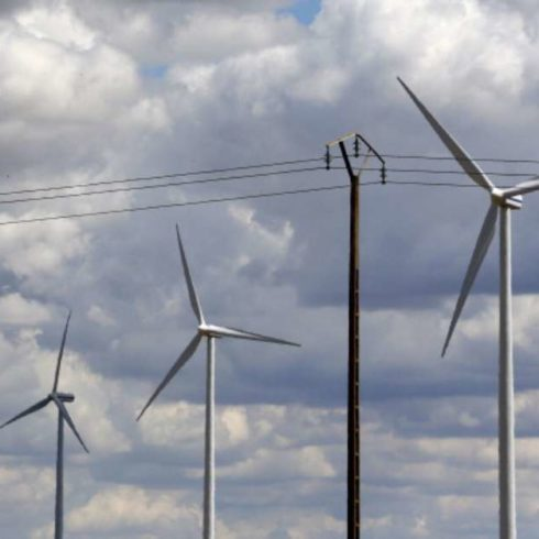 Cader y Ramcc se unen para implementar en comunas de todo el país las energías limpias