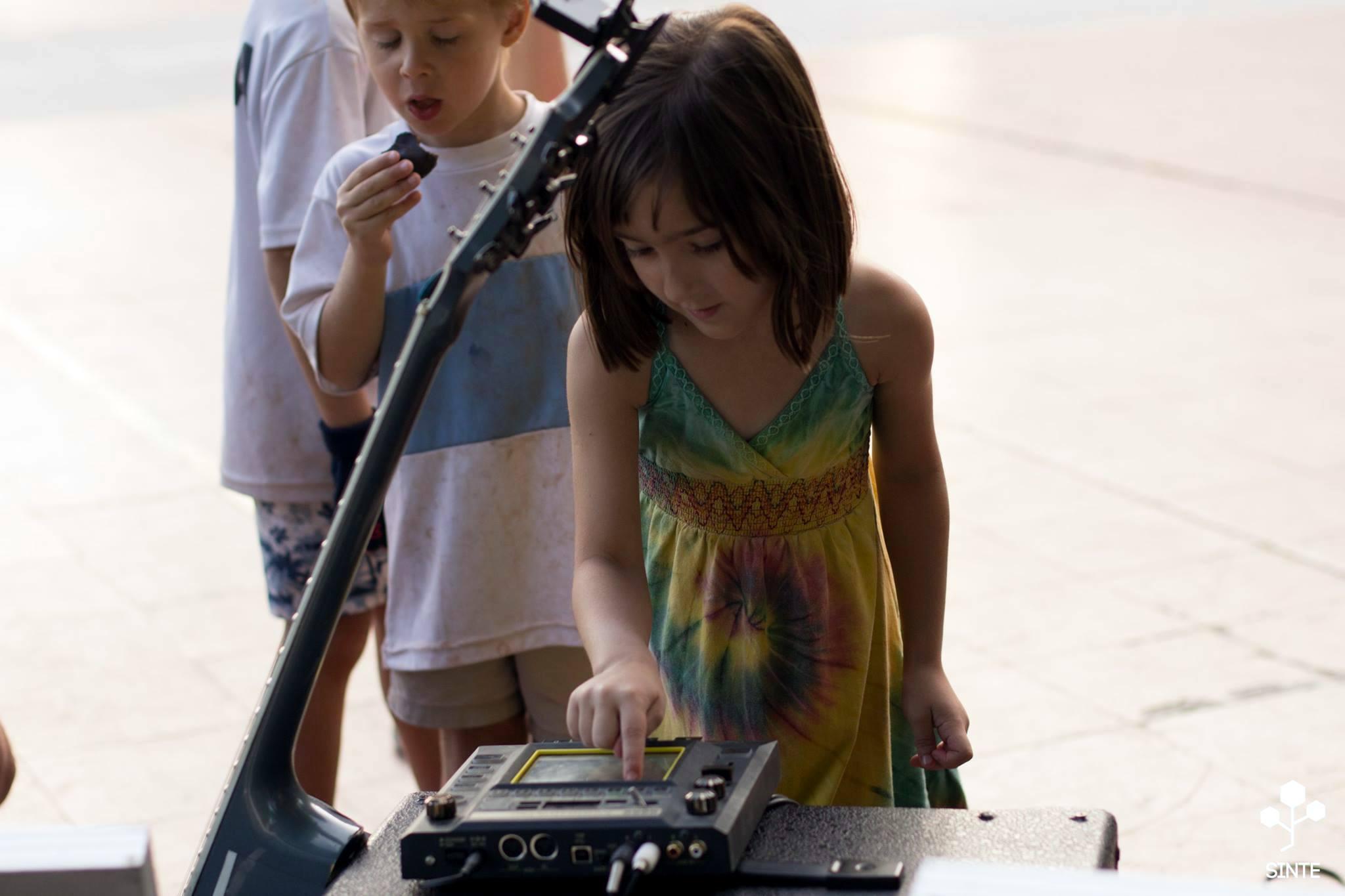 Sintesun: los principios de la energía solar a través de la música