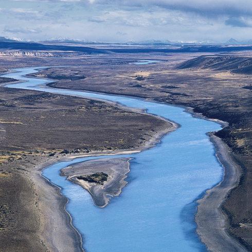Río Santa Cruz y la cordillera