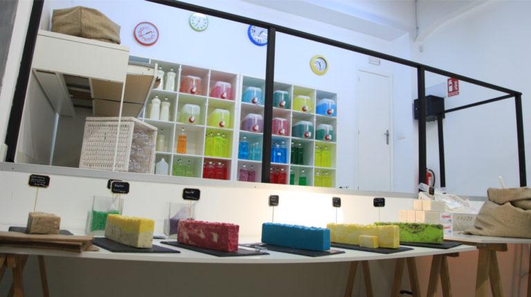 A granel: en Madrid venta al peso de jabones y detergentes