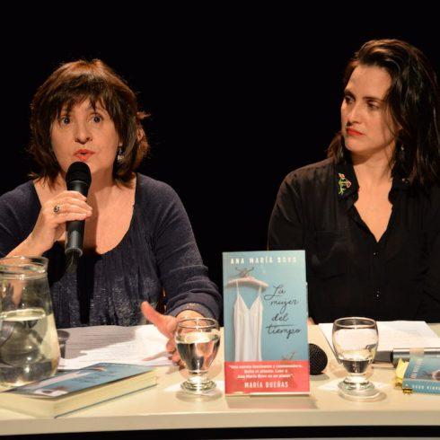 """Ana María Bovo, autora, en la presentación de """"La mujer del tiempo"""", editado por Emecé"""
