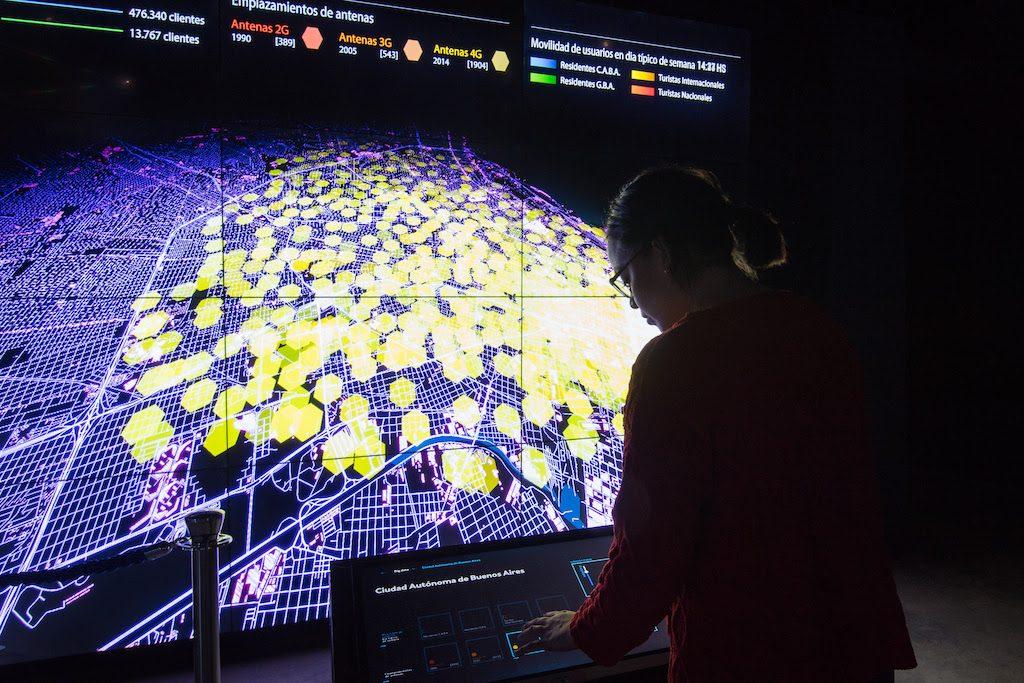 Conectados, la muestra en Fundación Telefónica Movistar
