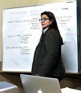 La doctora Majo Dominguez Edreira, adjunta de la cátedra de Derecho Animal se referírá al tema animal de compañía