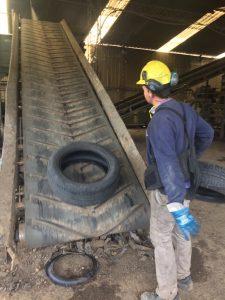Los neumáticos reciclados pasan de ser simples residuos a integrar productos de la vida diaria