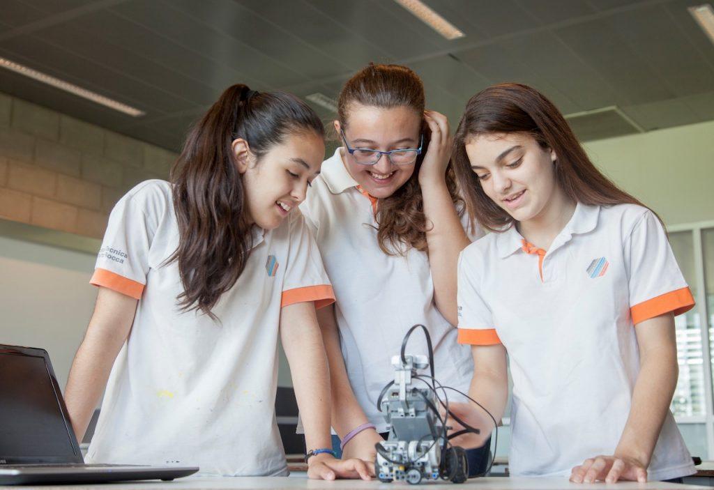 La Escuela Técnica Roberto Rocca (ETRR) que depende de la empresa Tenaris, está en Campana y este año tendrá su primera camada de 50 egresados
