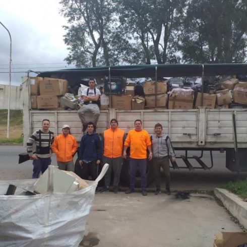 Más de 16.000 kilos de residuos electrónicos se enviaron de Paraná al barrio de Lugano en Buenos Aires para ser reciclados