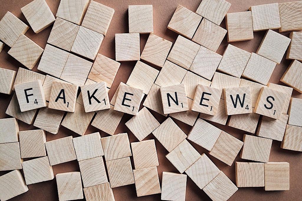 Entrevista al periodista y docente Matías Enríquez, para hablar sobre las fake news