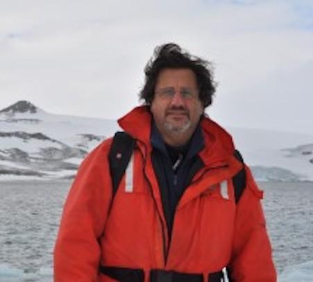Entrevista a Máximo Gowland, director nacional de Política Exterior Antártica, sobre la Antártida y el Covid-19