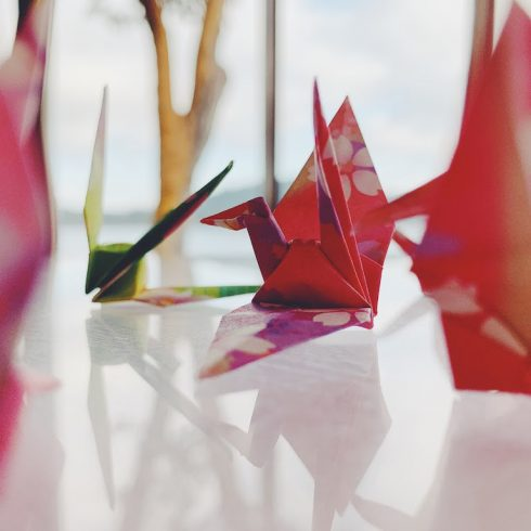 El deseo de las mil grullas, un concurso y una leyenda para recordar el arte del origami en papel reciclado