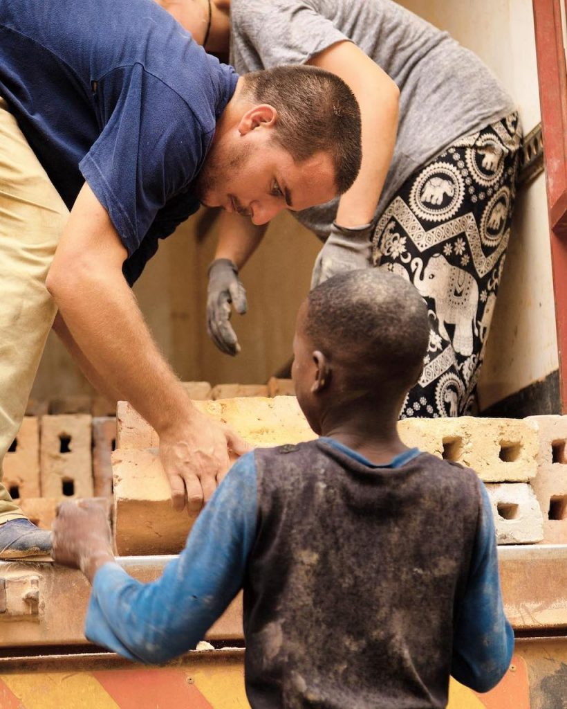 """""""Hice un documental de 10 minutos para mostrar lo que fue ese viaje, la organización y Mozambique. Lo presenté en un evento en casa a beneficio de la organización. Así nació Huellas"""""""