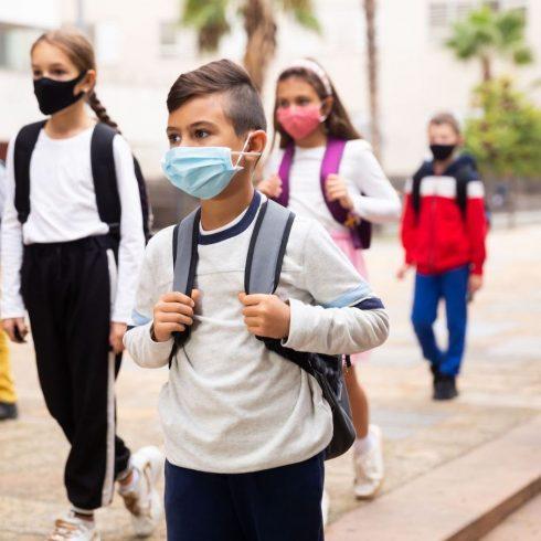 Encuesta sobre por qué padres y alumnos argentinos revalorizaron las clases presenciales después de la pandemia