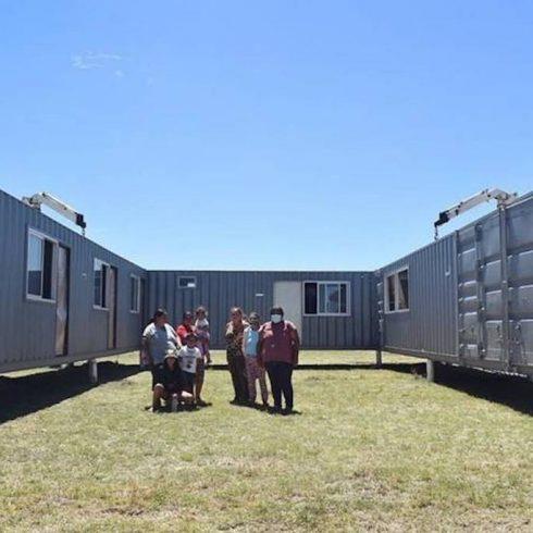 Los contenedores sirven como herramienta rápida y barata para construir viviendas para alojar a las víctimas de violencia de género