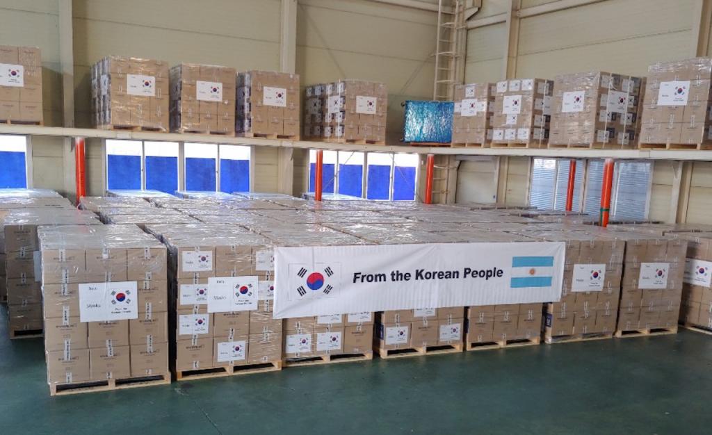 El gobierno de Corea del Sur donó más de 400.000 barbijos especiales al Ministerio de Salud de la Nación