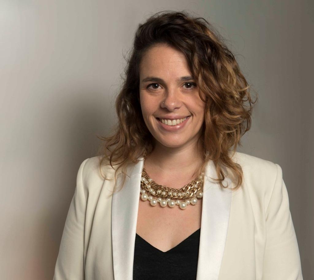 Mariana Petrina, gerente de Sustentabilidad de L'Oreal, entrevistada para hablar del programa Belleza por un Futuro de la Fundación L'Oréal