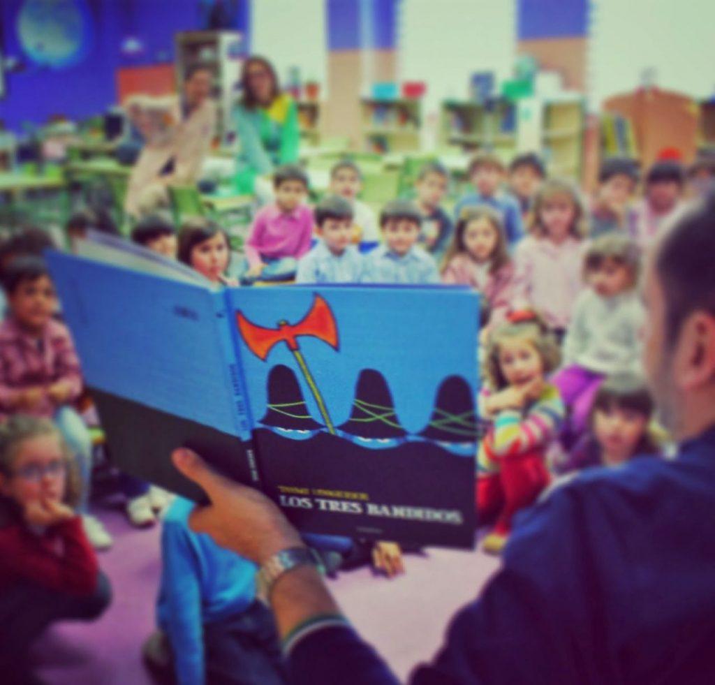 En el Día de la Narración Oral, celebremos esta tradición de contar cuentos en voz alta