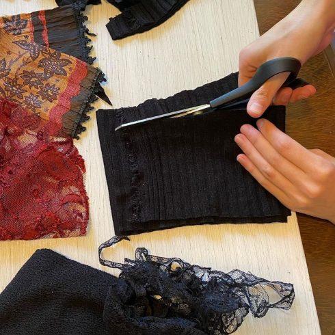 Carola Cornejo Sustentable es una empresa de moda ética, que recicla, customiza y hace upcycling