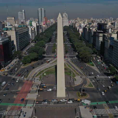 El Obelisco porteño cumple sus primeros 85 años totalmente renovado