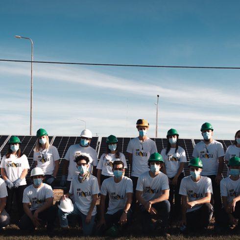 Sembrando Futuro, el programa de capacitación para jóvenes balcarceños que cuenta con el apoyo de la empresa Mc Cain Argentina, dio el curso Academia Solar para capacitarlos en sistemas de panales solares fotovoltaicos