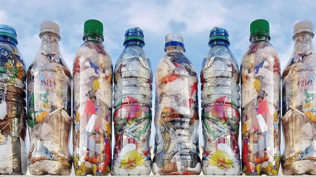 Botella de amor, una inciativa para terminar con los residuos plástico: columna de Opinión de Verónica Lauri