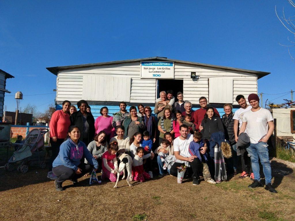 La fintech argentina Trasa donó una Ecoestufa para la mesa de trabajo de los barrios San Jorge, Los Grillos y la Comercial