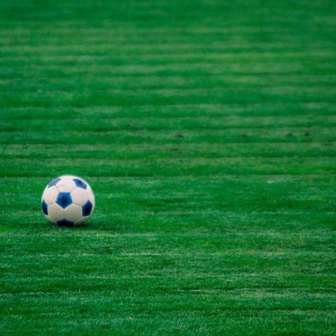 Fútbol, el deporte más popular del mundo, y el bienestar ambiental