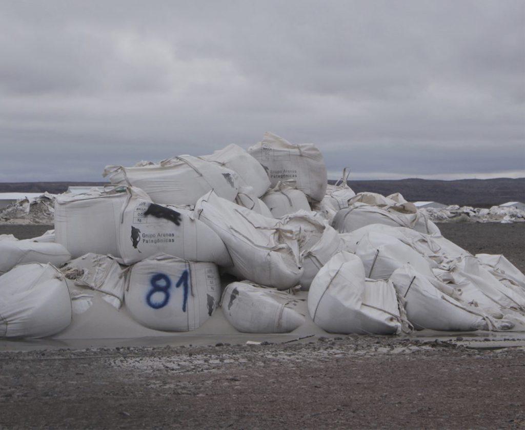 Fracking Design, la marca de marroquinería de las hermanas Basilotta, con productos hechos a base de residuos plásticos, es empresa B