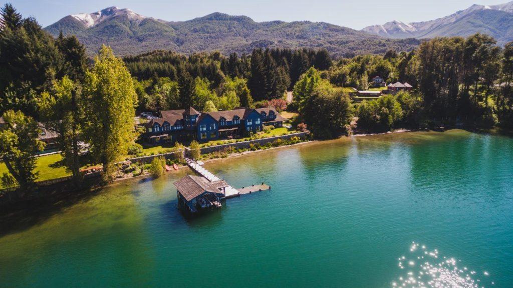 Las Balsas, hotel Gourmet de Villa La Angostura, certificó como primera empresa B de Neuquén