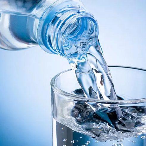 Julian Corres escribe sobre ese bien tan escaso como esencial que es el agua potable